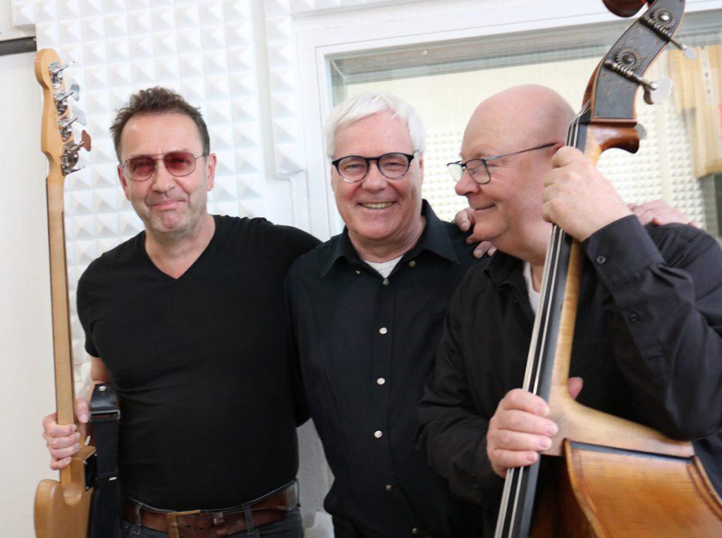 wo Bass 'N' Vox | Das Bild zeigt die Drei Musiker